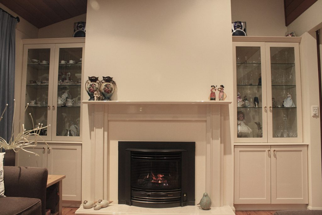 Home 2 - Lugarno Fireplace